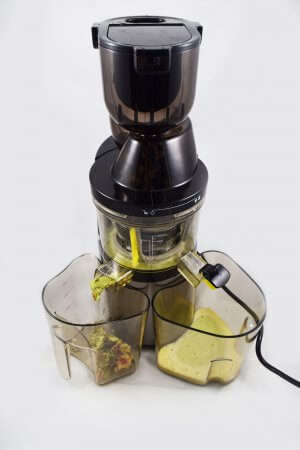 Entsaften mit BioChef Atlas Whole Slow Juicer